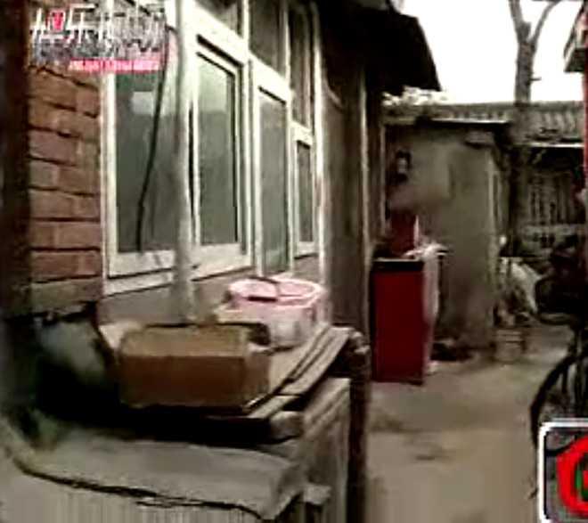 2 anh trai Ly Lien Kiet: Nguoi vat va lam thue, ke ban han song o nha hoang hinh anh 1