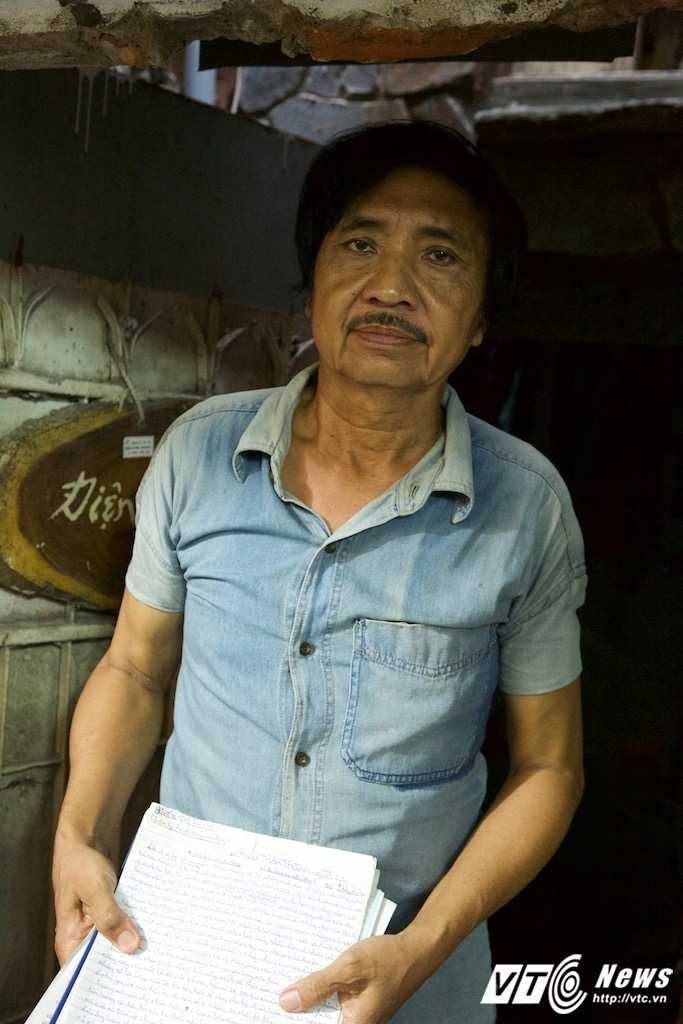 Cuoc song tung quan trong 'ngoi nha chuong heo' 9m2 cua dien vien 'Biet dong Sai Gon' hinh anh 13