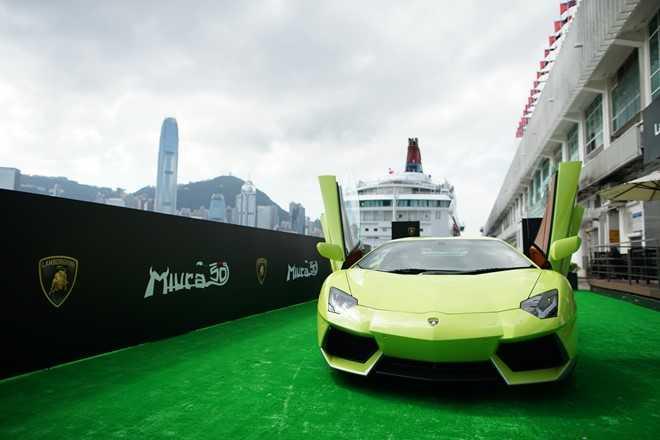 Lamborghini ra mat Aventador ban dac biet tri gia 23 ty dong hinh anh 10