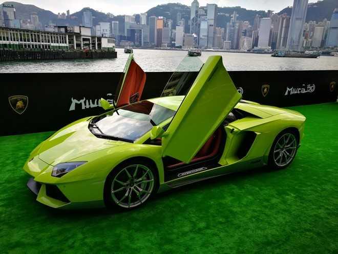 Lamborghini ra mat Aventador ban dac biet tri gia 23 ty dong hinh anh 1
