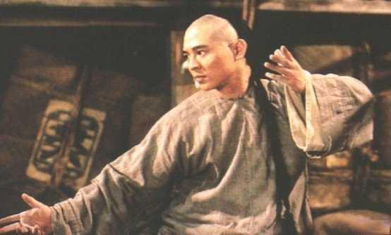 Hoang Phi Hong ngoai doi thuc khac xa tren phim hinh anh 3