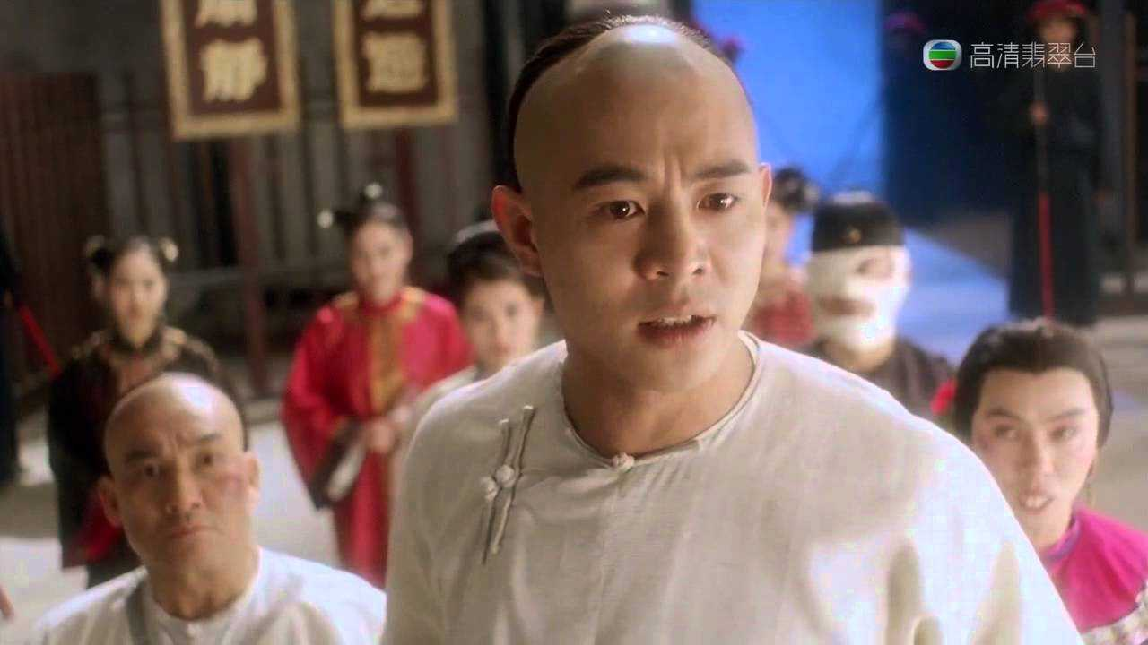 Hoang Phi Hong ngoai doi thuc khac xa tren phim hinh anh 6