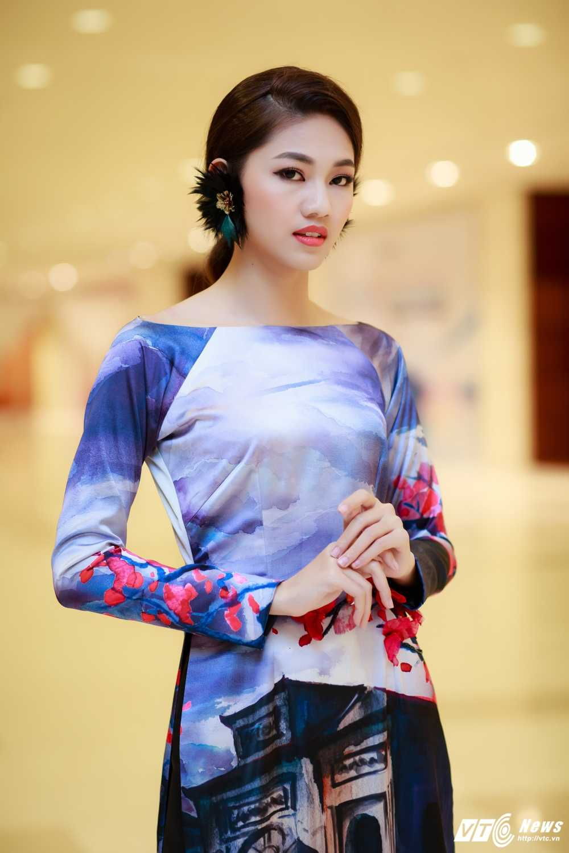Hoa hau My Linh, A hau Thanh Tu dien ao dai la mat thu hut su chu y hinh anh 7