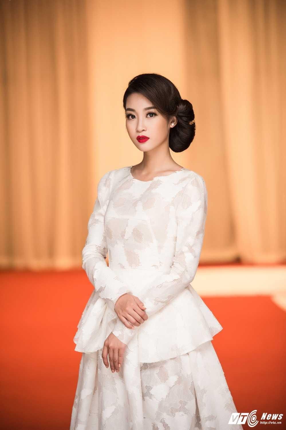 Hoa hau My Linh do sac voi chi em A hau Thanh Tu -Tra My hinh anh 6