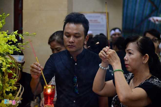 NSND Kim Cuong, Vu Linh bat khoc tien sau nu Ut Bach Lan hinh anh 6
