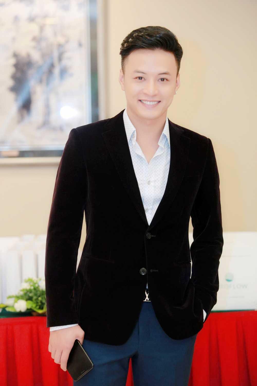 Manh Truong, La Thanh Huyen, Hong Dang, Tu Anh, Ngoc Han hoi ngo trong su kien hinh anh 6