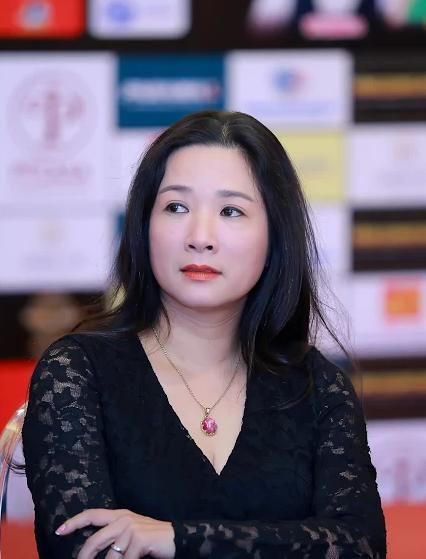Thanh Thanh Hien giai thich viec Che Linh khong du le cuoi cua co va con trai ong hinh anh 3