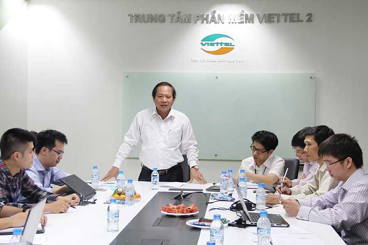 Bo truong Truong Minh Tuan kiem tra dot xuat viec thu hoi SIM kich hoat san hinh anh 3