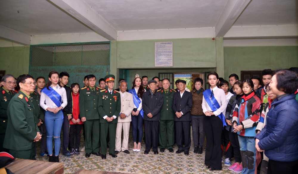 Top 3 'Nu hoang da quy Viet Nam 2016' dong hanh cung xa thu Hoang Xuan Vinh hinh anh 2