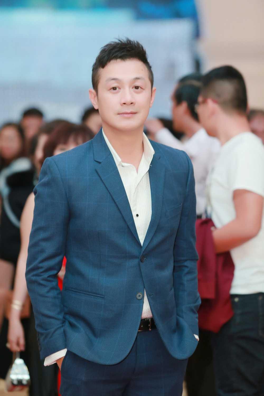 MC Anh Tuan tim thay de nhat 'Xinh tu nhien' hinh anh 6