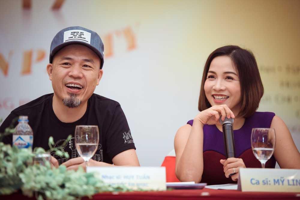 Hoang Thuy Linh se 'dot chay' Countdown Party 2017 hinh anh 2