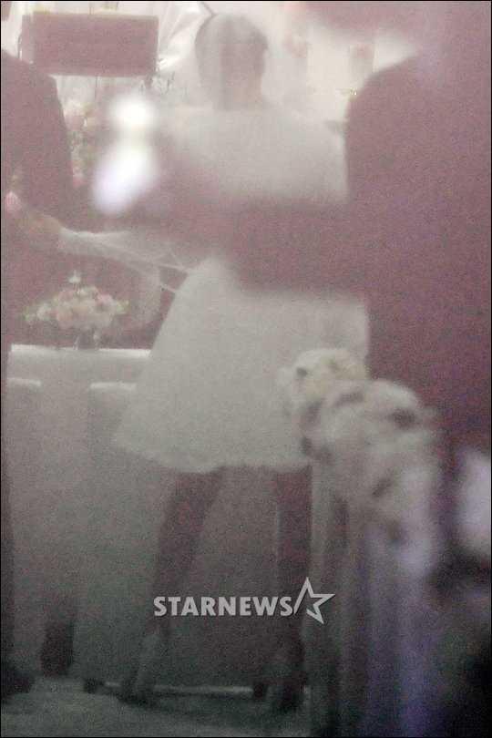 Co dau Kim Tae Hee dien vay ngan, sanh vai chu re Bi Rain hinh anh 5
