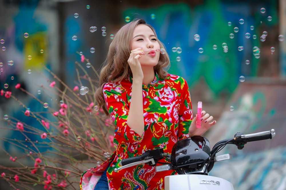 Khanh Ngan xinh dep den ngan ngo trong tiet Xuan Ha Noi hinh anh 7