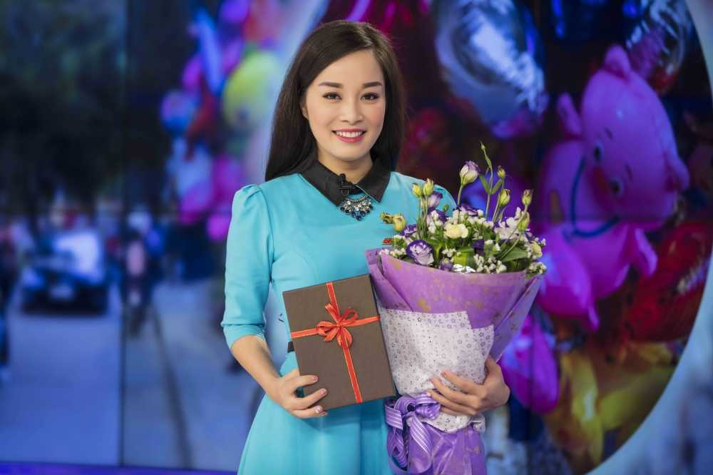 Minh Huong 'Nhat ky Vang Anh' tu tay chuan bi qua cho chong ngay Valentine hinh anh 8