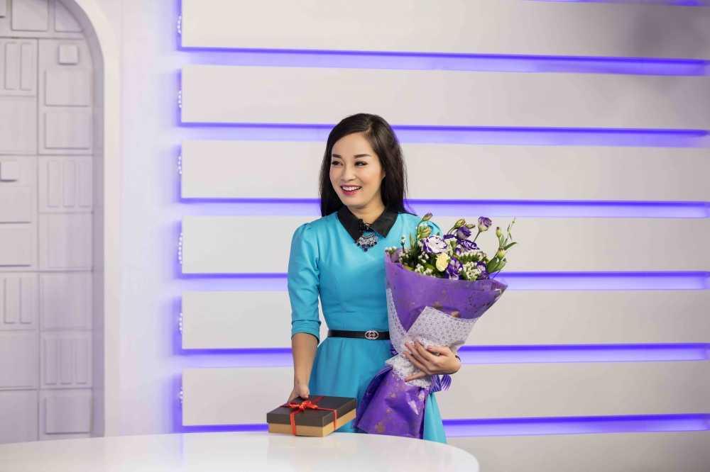 Minh Huong 'Nhat ky Vang Anh' tu tay chuan bi qua cho chong ngay Valentine hinh anh 7