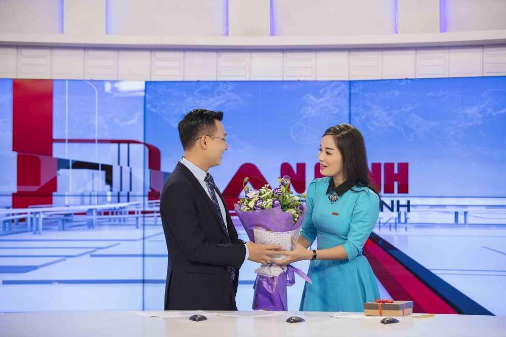Minh Huong 'Nhat ky Vang Anh' tu tay chuan bi qua cho chong ngay Valentine hinh anh 4