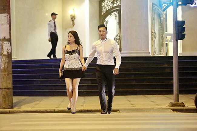 Chi vo 2 sexy moi bien MC Thanh Trung thanh nguoi dan ong the nay hinh anh 11