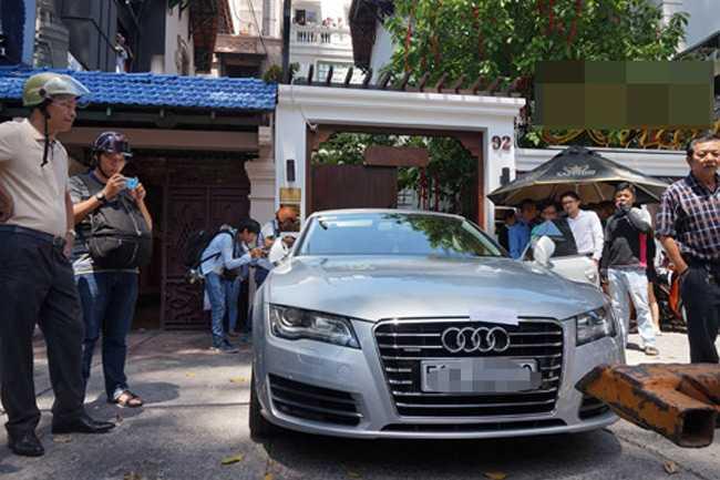Bi cau xe Audi 4 ty ve phuong, Hoa hau Thu Hoai khien nhieu nguoi to mo khoi tai san 'khung' hinh anh 1