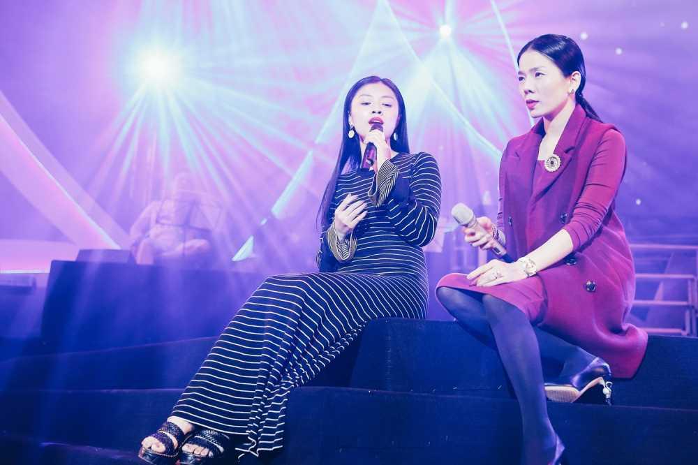 Sao Mai Thu Hang lan dau song ca cung Le Quyen hinh anh 3