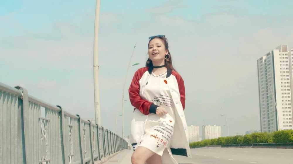 Ngay Quoc te Phu nu 2017: Duong Hoang Yen ra mat 'Neu mai nay' hinh anh 4