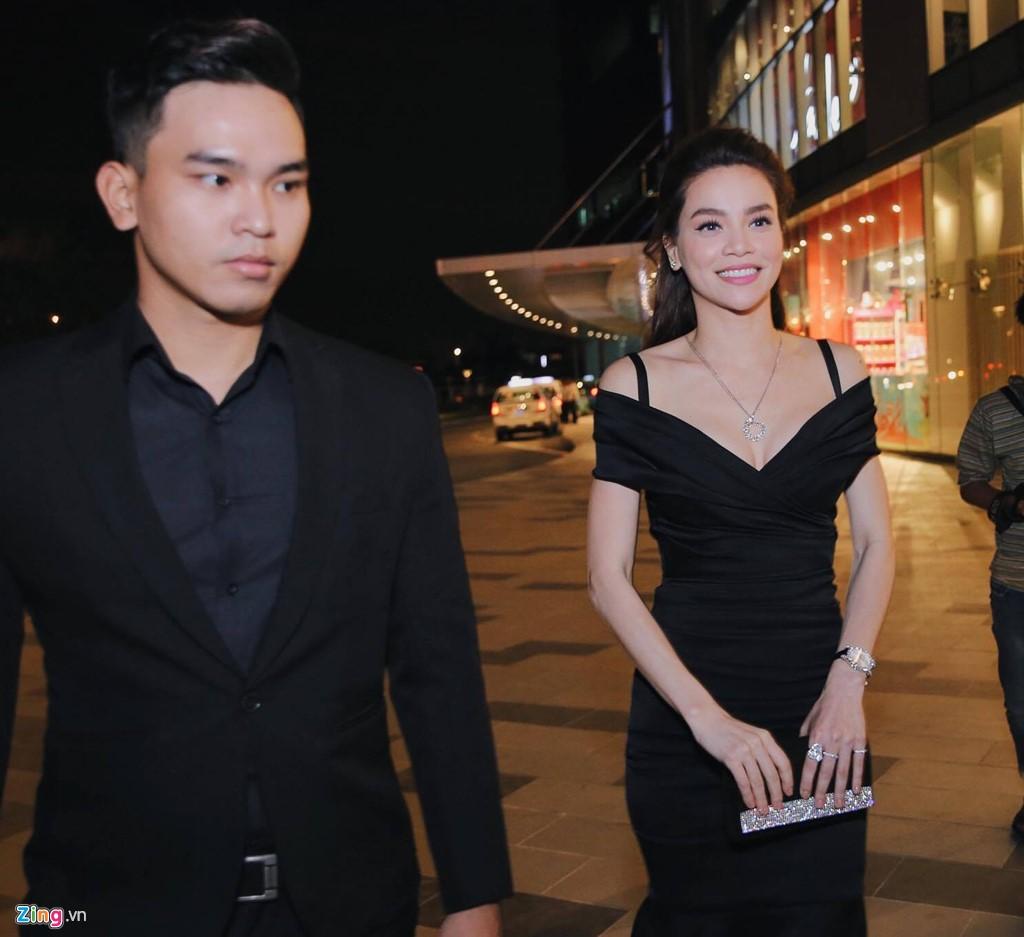 Chay rui san khau ra mat 'Kong: Skull Island': Ho Ngoc Ha va dan sao Viet chay tan loan hinh anh 5