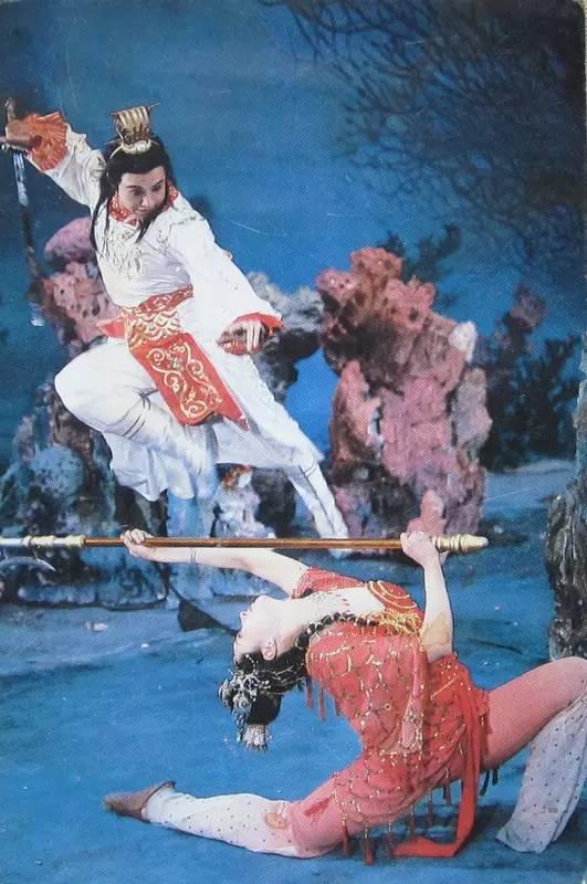 Tay du ky 1986: Cat xe Bach Long Ma cao ngat khien Ton Ngo Khong 'khoc thet' hinh anh 7