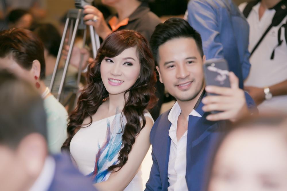 Kavie Tran dien vay 2000 USD, tay trong tay dien vien Doan Thanh Tai du su kien hinh anh 5