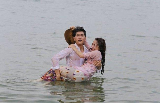 Nha Phuong gay on ao voi anh than mat dan ong la hinh anh 8