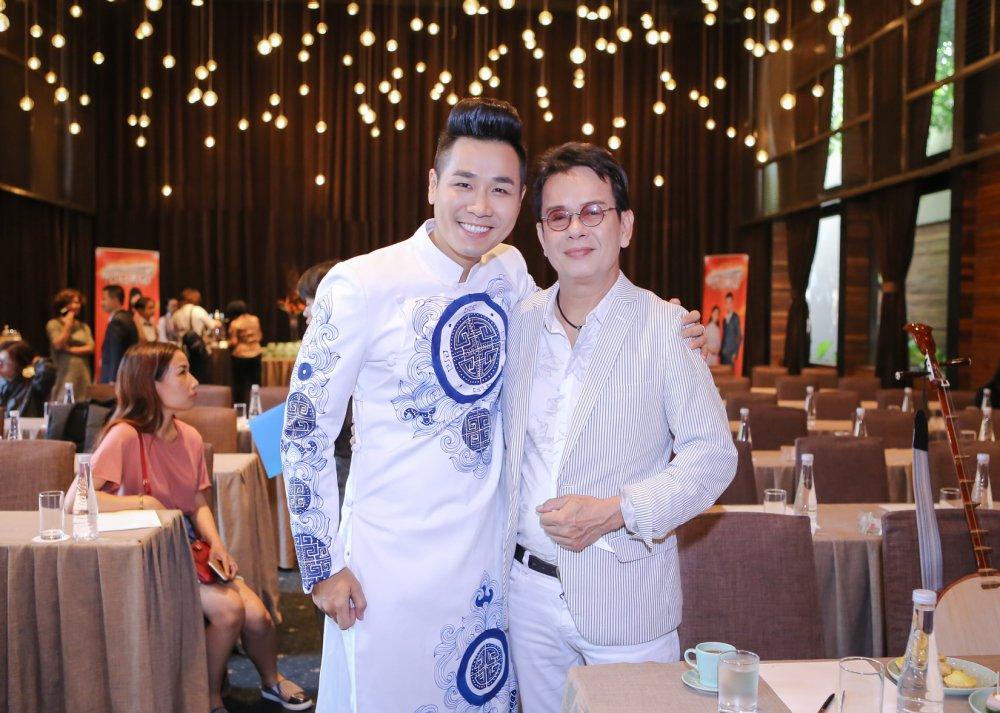 Nguyen Khang so hang xom duoi vi choi dan nhi luc nua dem hinh anh 1