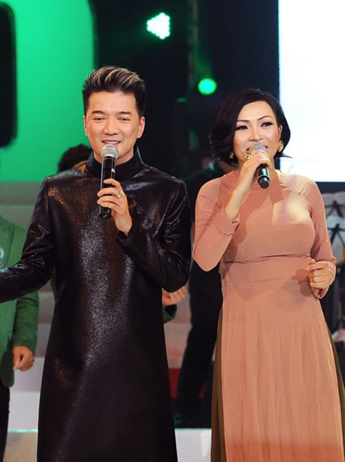 Nhung sao Viet tung vuong scandal chen ep dan em tai cac gameshow hinh anh 2