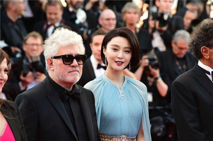 Pham Bang Bang mo nhat giua dan sao lon tren tham do Cannes hinh anh 4