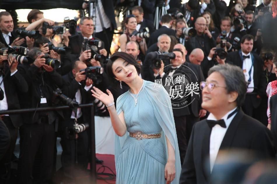 Pham Bang Bang mo nhat giua dan sao lon tren tham do Cannes hinh anh 5