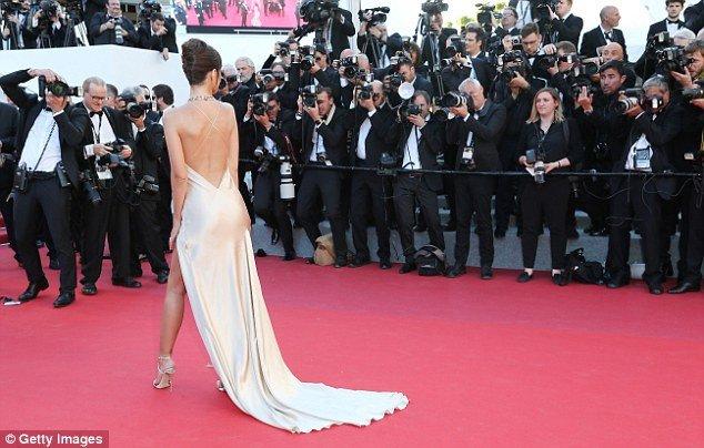 Pham Bang Bang mo nhat giua dan sao lon tren tham do Cannes hinh anh 16