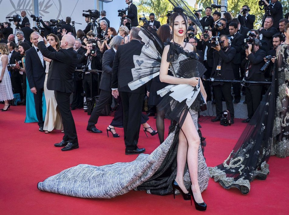 Trung Quoc mat mat vi dan sao hang bet xuat hien tren tham do Cannes hinh anh 4