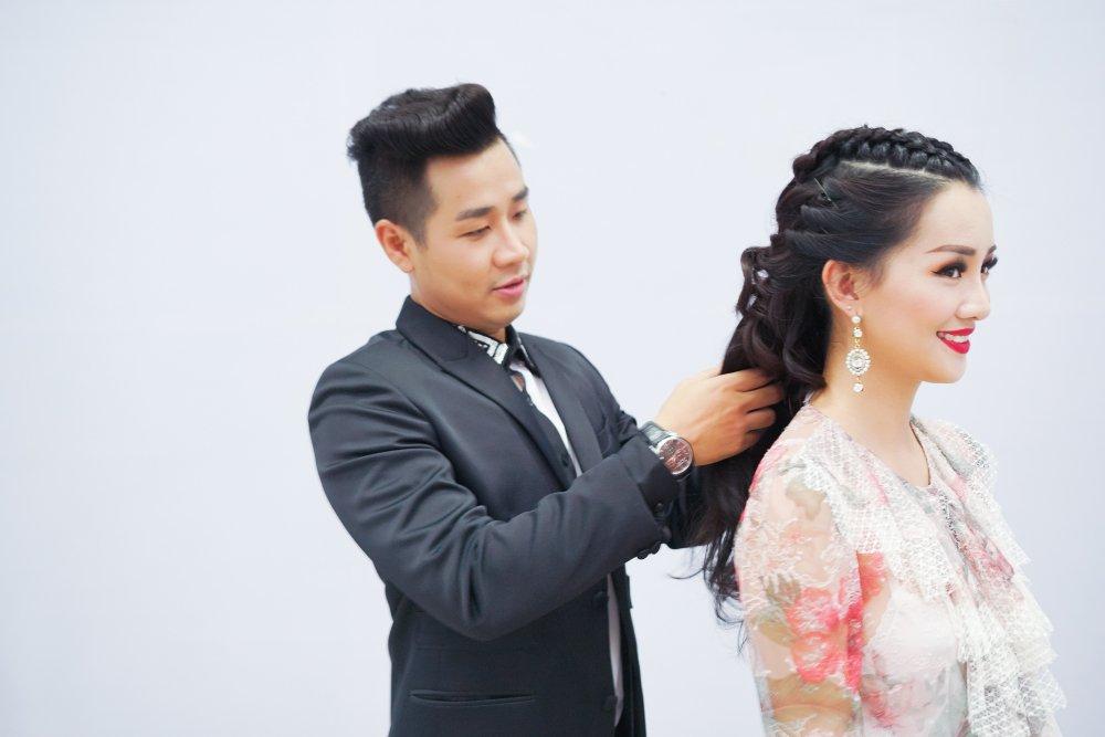 MC Nguyen Khang tinh tu, dua don Quynh Chi bang xe BMW hinh anh 6
