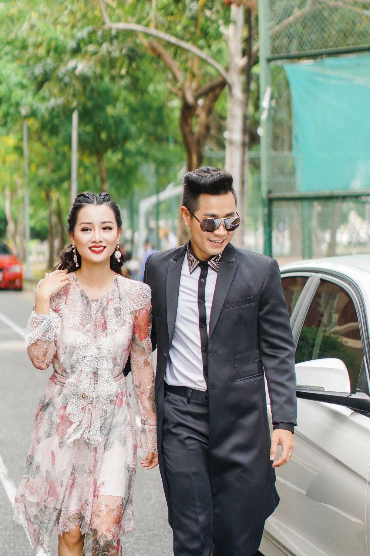 MC Nguyen Khang tinh tu, dua don Quynh Chi bang xe BMW hinh anh 4