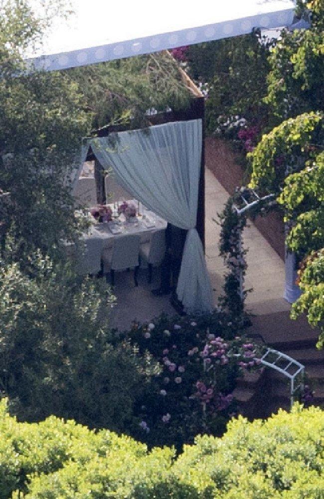 Miranda Kerr hat tang chong ty phu trong le cuoi hinh anh 2