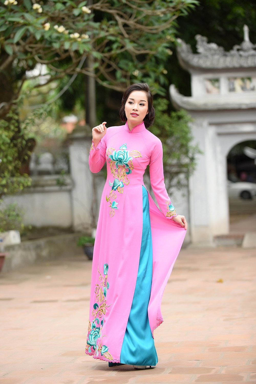 Minh Huong 'Nhat ky Vang Anh' dam tham voi ao dai truyen thong hinh anh 10