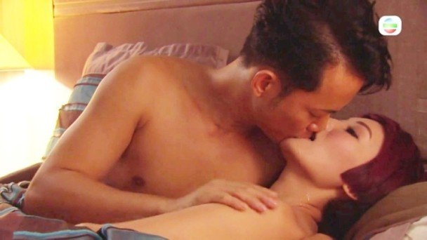 Man hon luoi trong phim TVB khien khan gia soc vi 'nhu phim sex' hinh anh 3
