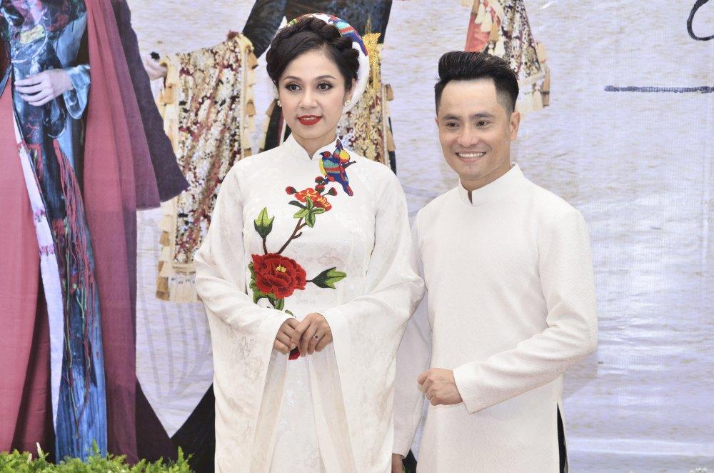 Viet Trinh, Hoa hau Suong Dang dep man ma trong trang phuc ao dai hinh anh 2