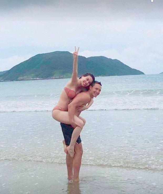 Video: Ho Ngoc Ha va Kim Ly hon nhau khi di nghi duong rieng hinh anh 3