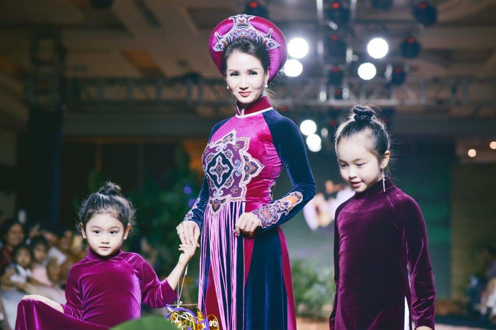 Viet Trinh, Hoa hau Suong Dang dep man ma trong trang phuc ao dai hinh anh 6