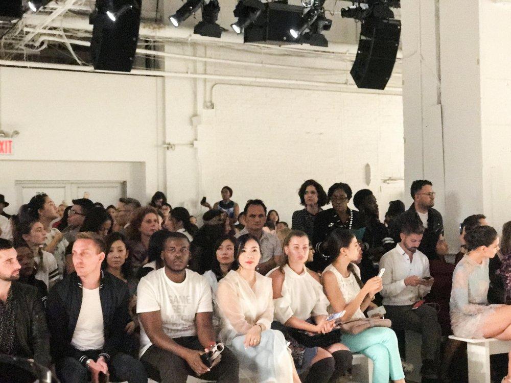 CEO Elise Luu Nga ngoi cung hang Paris Hilton xem thoi trang tai New York hinh anh 6