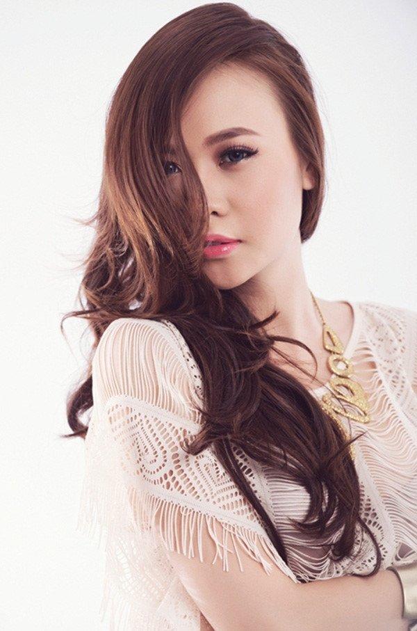 Cuong Do La va 5 moi tinh on ao voi nguoi dep trong showbiz Viet hinh anh 2