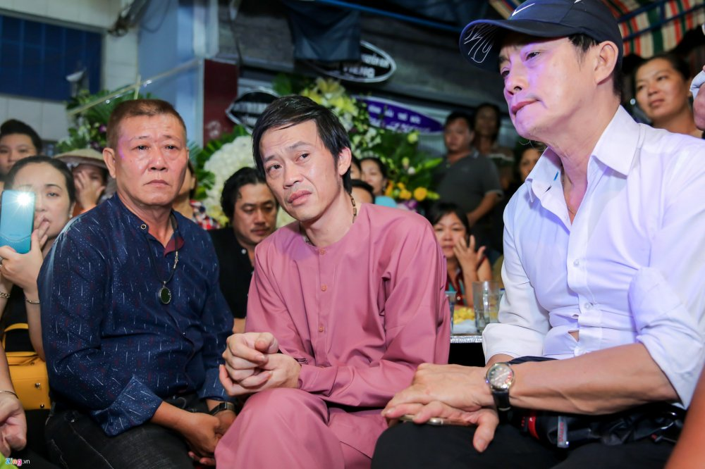 Danh hai Hoai Linh den tu biet nghe si Khanh Nam luc 1h sang hinh anh 5