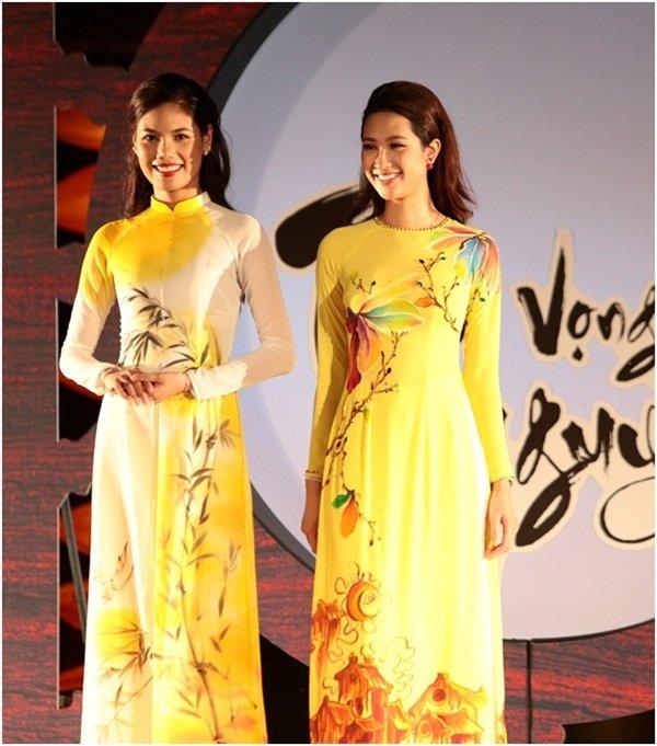 Hon Viet bung sang trong bo suu tap ao dai Thu vong Nguyet hinh anh 4