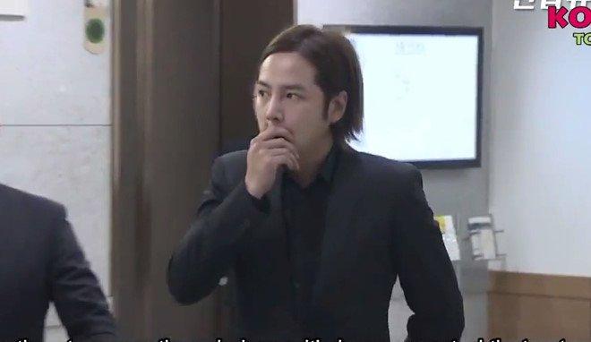 Song Joong Ki voi den vieng Kim Joo Hyuk ngay sau le cuoi hinh anh 3