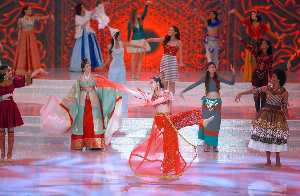 Truc tiep chung ket Miss World 2017: Do My Linh co lam nen ky tich tai Hoa hau The gioi? hinh anh 15