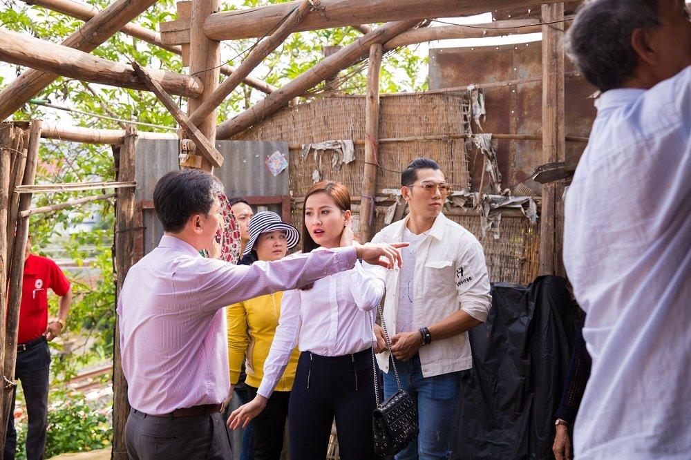 Hoa hau Khanh Ngan ung ho 200 trieu dong cho ba con Phu Yen hinh anh 1