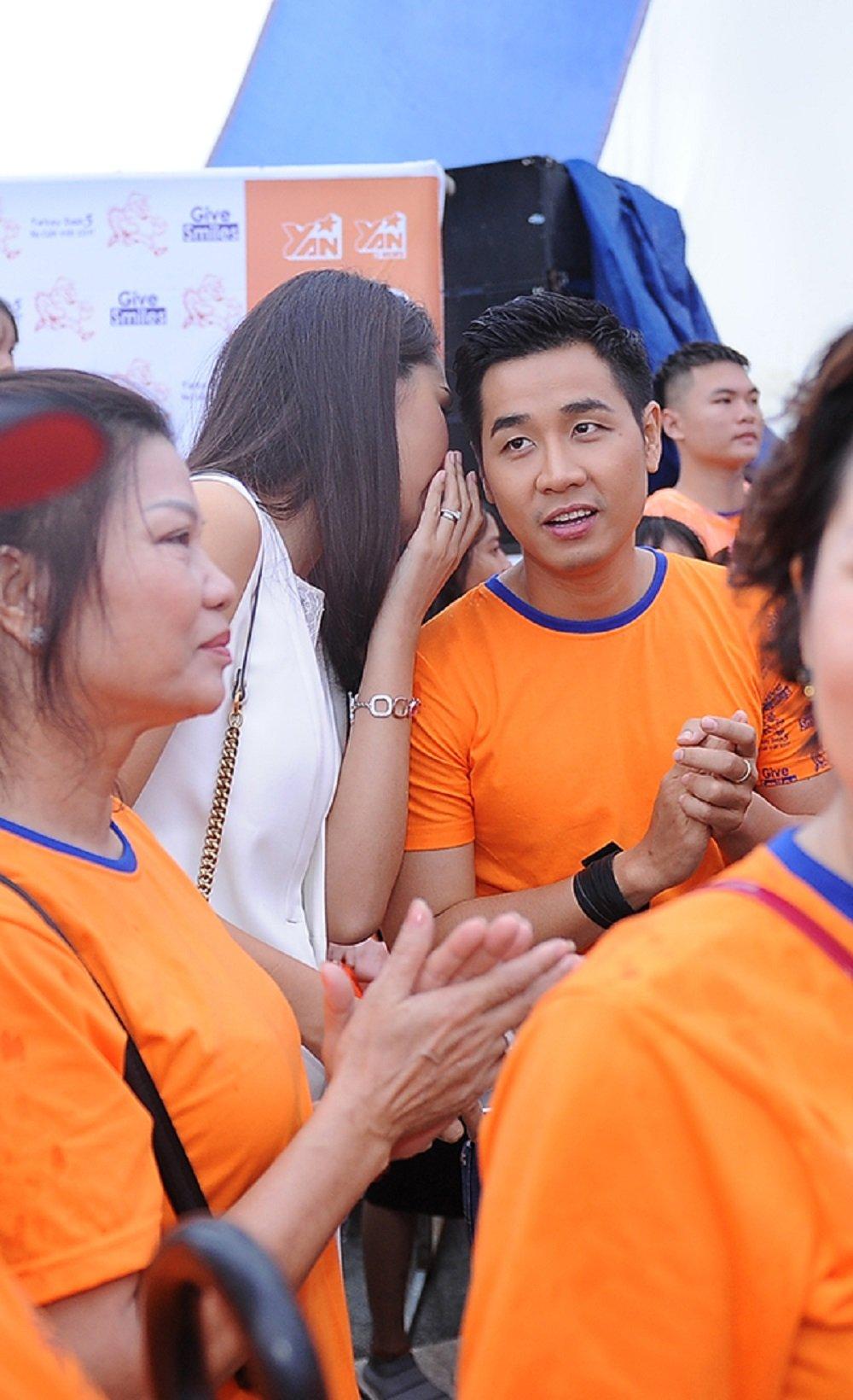 Nguyen Khang, Hoa hau Huong Giang doi mua tham gia chay bo gay quy tu thien hinh anh 3